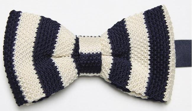 Cream Knitted Bow Tie with Navy Pattern