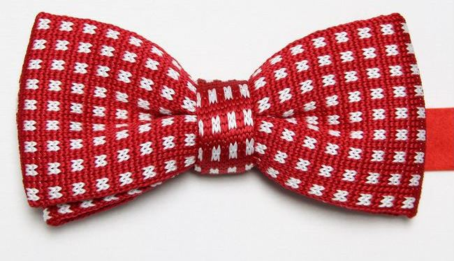 Red Knitted Bow Tie with White Boxes